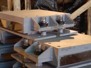 Фотография опорных частей на отрицательные нагрузки