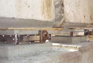 Шаровые сегментные опорные части, установленные взамен резиновых опорных частей
